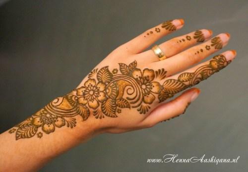 floral mehndi designs for hands 1
