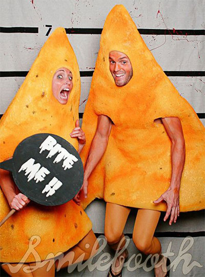 nacho-cheese-tortilla-chips-couple-costumes