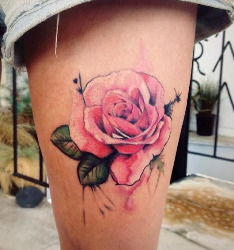 Rose Thighs Tattoo Designs