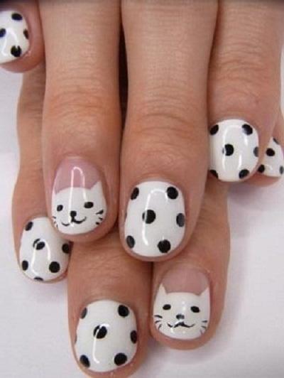Hello Kitty Nails with Polka Dots