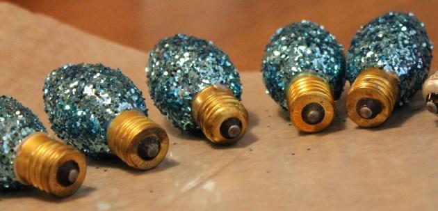 glittered-light-bulb