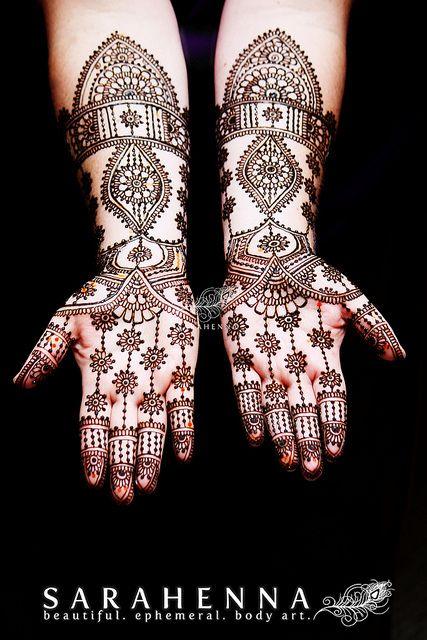 latest bridal hand mehndi design