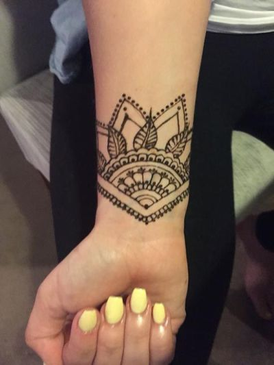 geometric henna designs