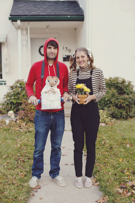 cute Elliot and Gertie Characters Halloween costume for couples