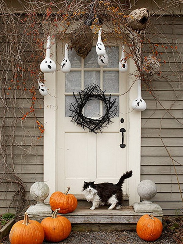 Hang ghostly pained gourds