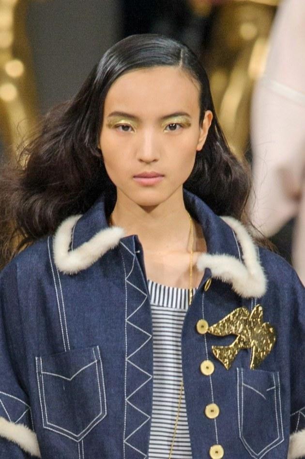 fall winter makeup trends Metallic Accents