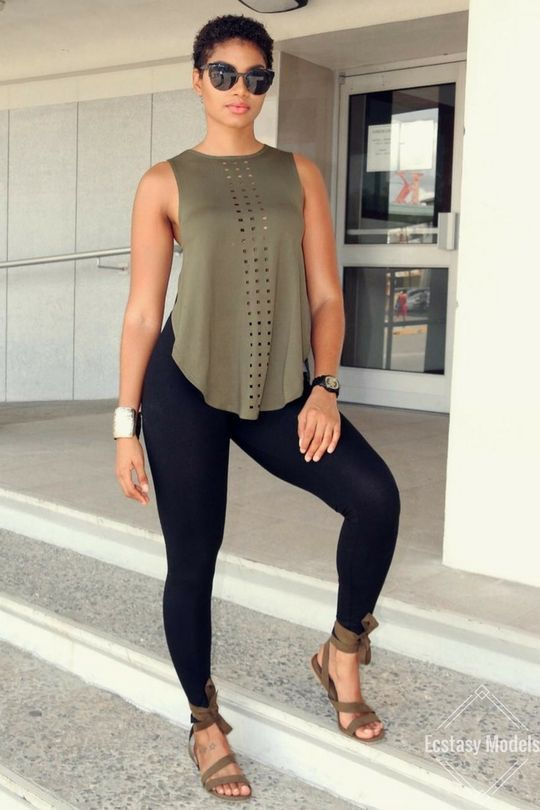 curvy girl legging outfits