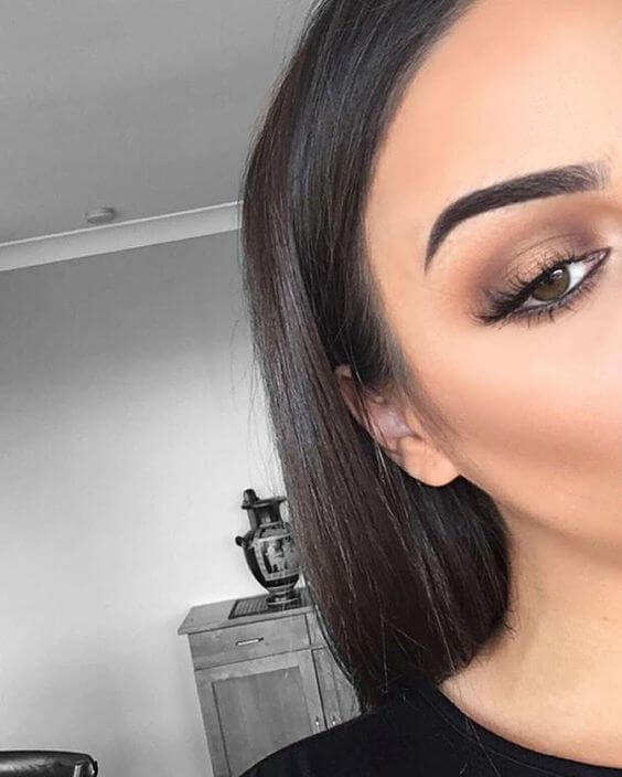 brown gold eye makeup looks with black outfit