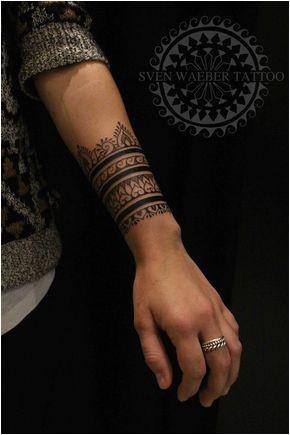 bracelet henna design