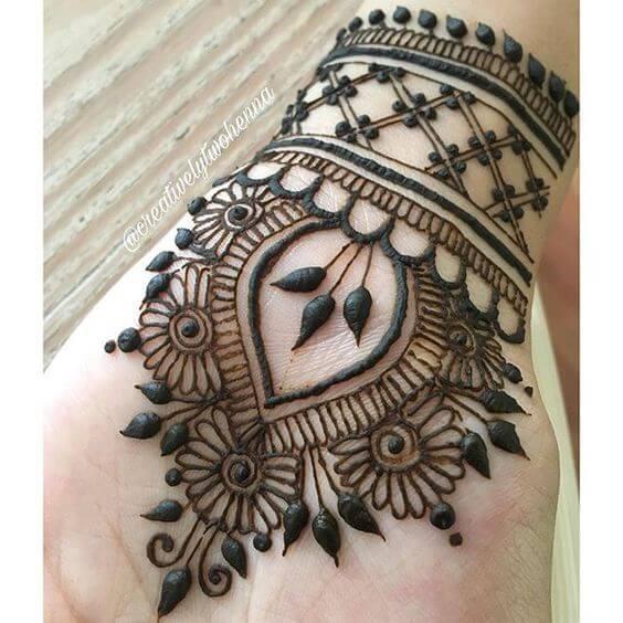 dulhan wedding bracelet mehndi design