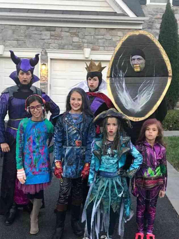 descendants disney family halloween costumes ideas