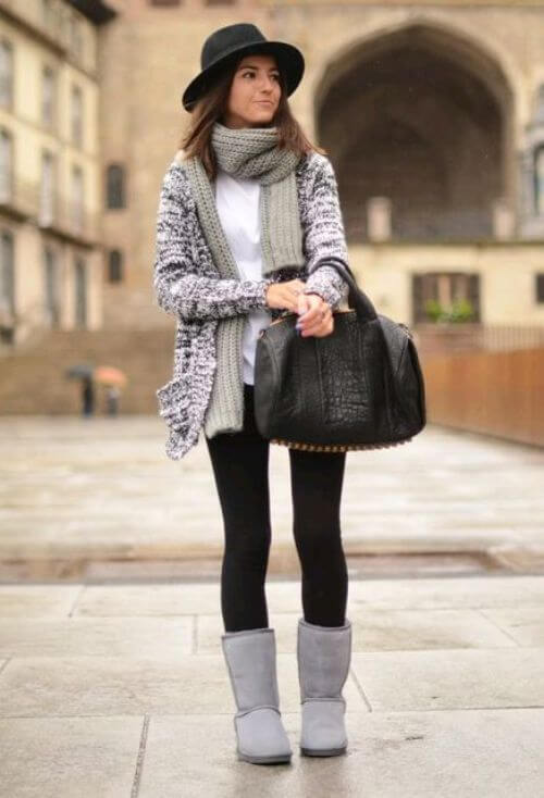 grey outfit with grey ugg boots