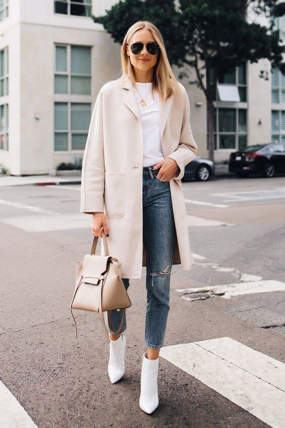 White ankle boots with white coat and T-shirt winter look