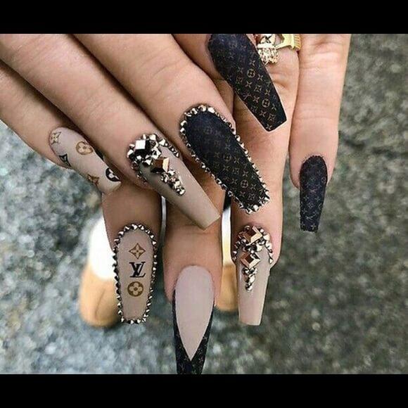 loius vuitton lover birthday nails