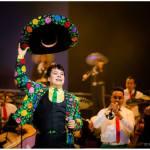 Celebran 50 años de carrera de Juan Gabriel