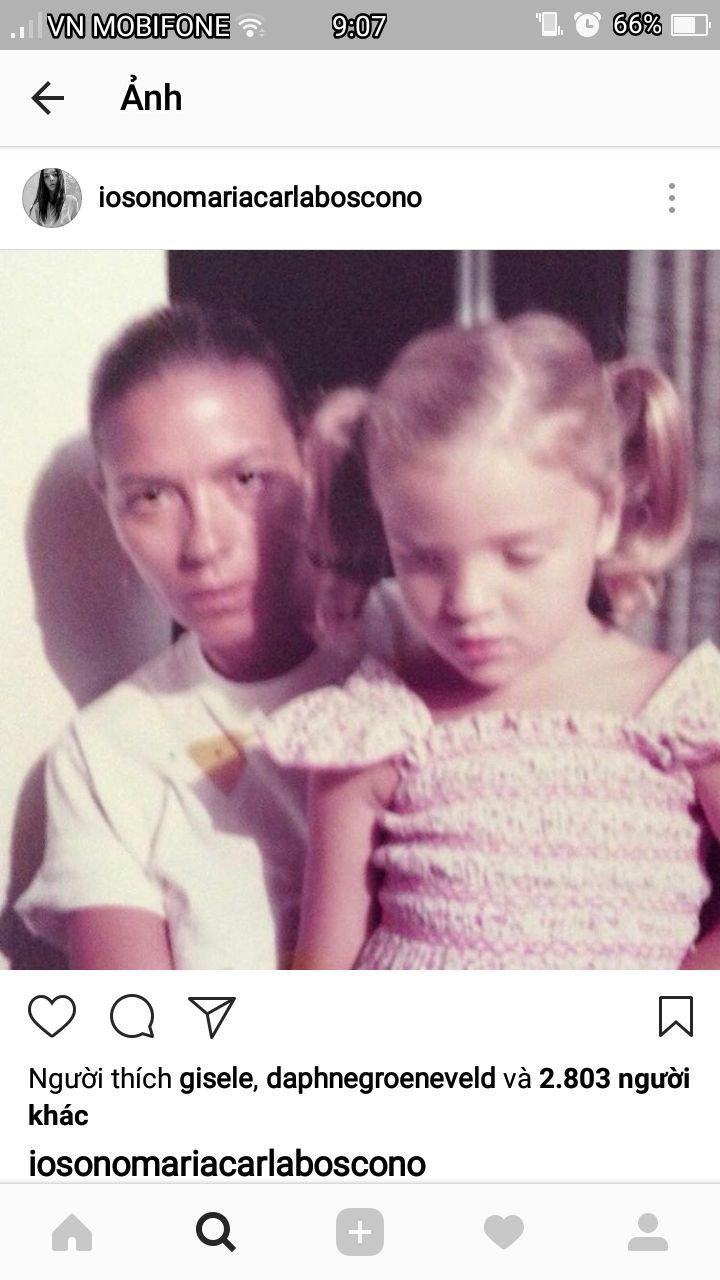 Mariacarla Boscono, foto de infância um em pinterest.com
