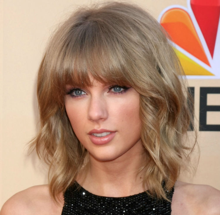 Taylor Swift iHeart Radio awards