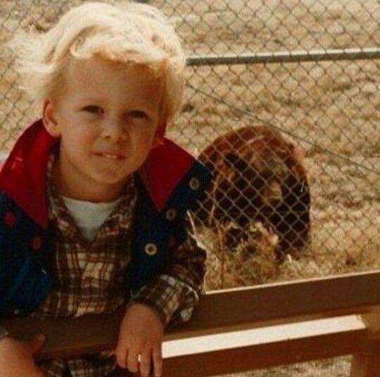 Ryan Tedder, foto de infância um em pinterest.com