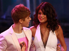 Justin Bieber And Selena Gomez Pucker Up For Music Video