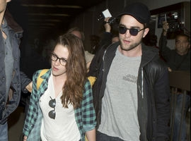 Newly Single Kristen Stewart Attends Wedding Following 'Robert Pattinson Split'