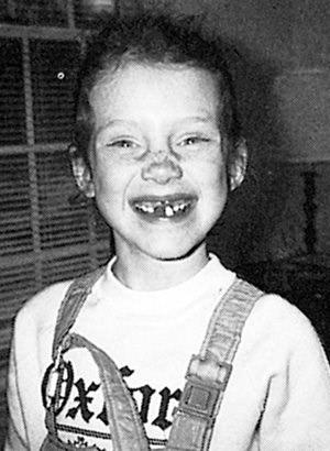 Christina Hendricks childhood photo one at pinterest.com
