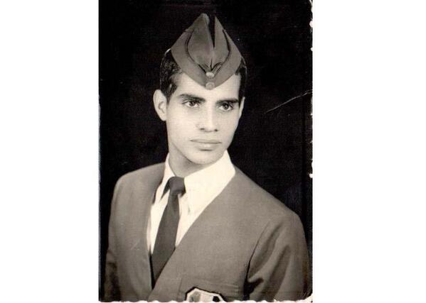 Abdel Fattah el-Sisi , foto mais antiga um em twitter.com