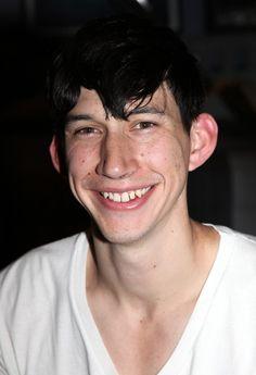 Adam Driver , foto mais antiga um em pinterest.com