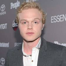 Joe Adler - the cool, friendly,  actor  with English roots in 2019