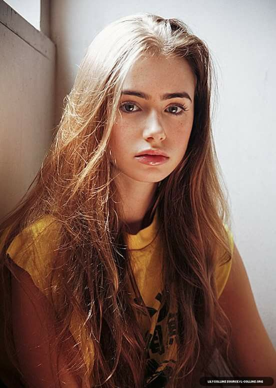 Lily Collins Wiki Young, Photos, Ethnicity  Gay Or Straight - Entertainmentwise-2842