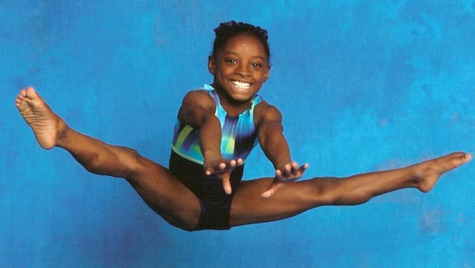 Umpolen – den Minuspol mit dem Pluspol vertauschen Simone-Biles-child
