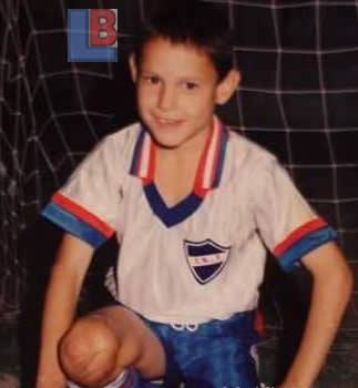 Edinson Cavani childhood photo one at LifeBogger.com