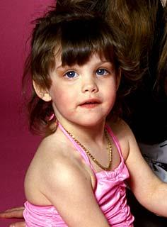 Liv Tyler childhood photo one at Milkeyes.com