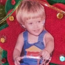 Lucas Grabeel, foto de infância um em pinterest.com