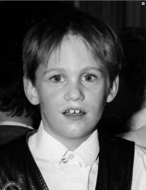 Alexander Skarsgård Kindheitsoto eins bei pinterest.com