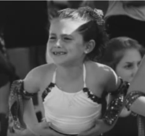 Ariana Grande Kindheitsoto zwei bei salaryandnetworth.com