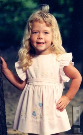 Kendra Wilkinson, foto de infância dois em Eonline.com