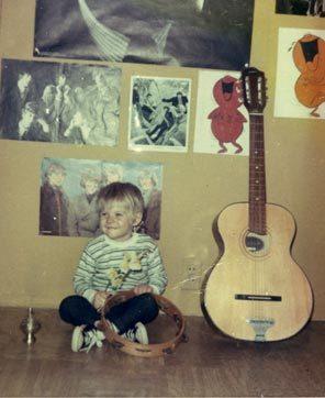 Kurt Cobain, foto de infancia dos en Pinterest.com