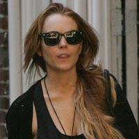 Lindsay Lohan's Dad Tweets That Lindsay Has HIV