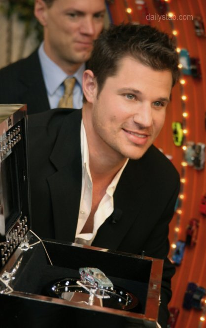 nick-lachey-hot_wheels.jpg