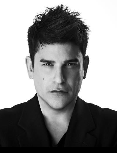 Robert Rodriguez - foto más antigua uno en fashionmodeldirectory.com