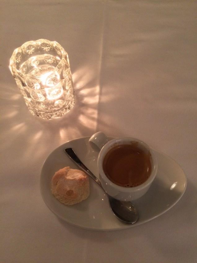 Café et amaretti