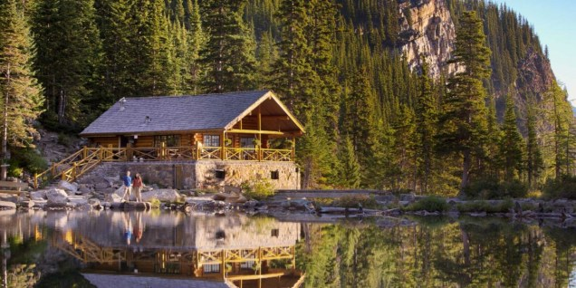 hiking_lake_louise_lake_agnes_tea_house_parkway_paul_zizka_2_horizontal_web_0