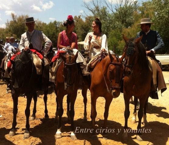 Rocio 2015 Entre cirios y volantes (3)