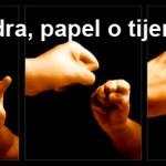 """Piedra, papel o tijera…"""
