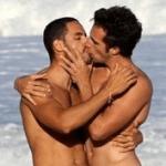 Escándalo: Aparecen fotos del novio de la China Suarez besandose con otro hombre