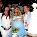 ¿Era necesario?  Vicky Xipolitakis festejó el baby shower de su hijo con una excéntrica piñata