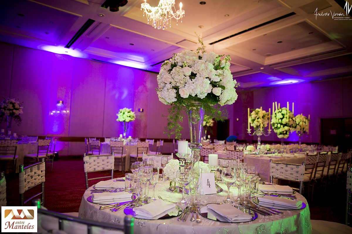 Casa de eventos entremanteles bodas cali y bogot for Decoracion de salon para boda