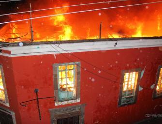 Incendio en el Centro Histórico de la ciudad de Quetzaltenango