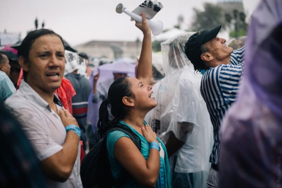 Manifestante en guatemala. foto por Rafael Mora #JusticiaYa