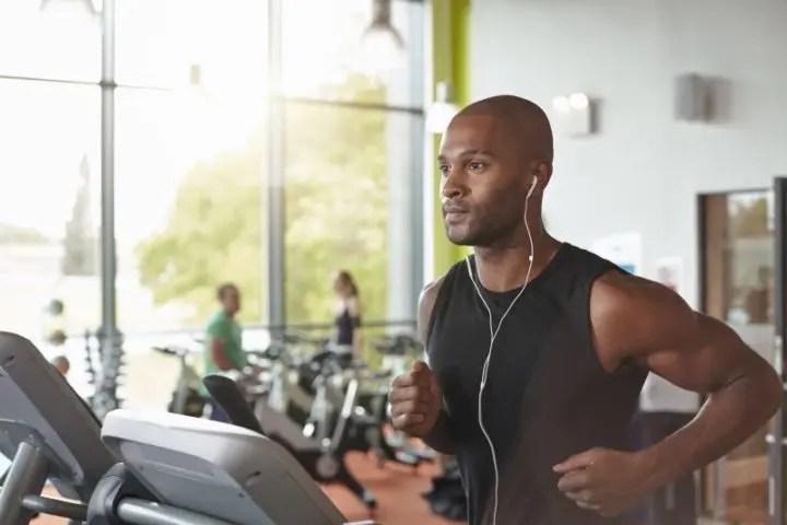 Hacer ejercicio con música lo hace más divertido